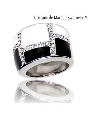 Ring La Black and White
