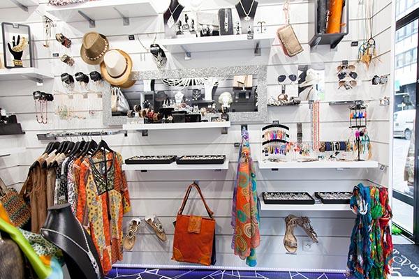 matériaux de haute qualité célèbre marque de designer couleur attrayante boutique de mode paris,image titre boutique mode homme paris